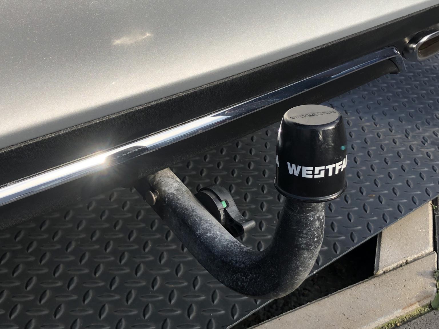 Mercedes-Benz-E-Klasse-44