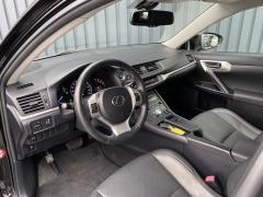 Lexus-CT-18