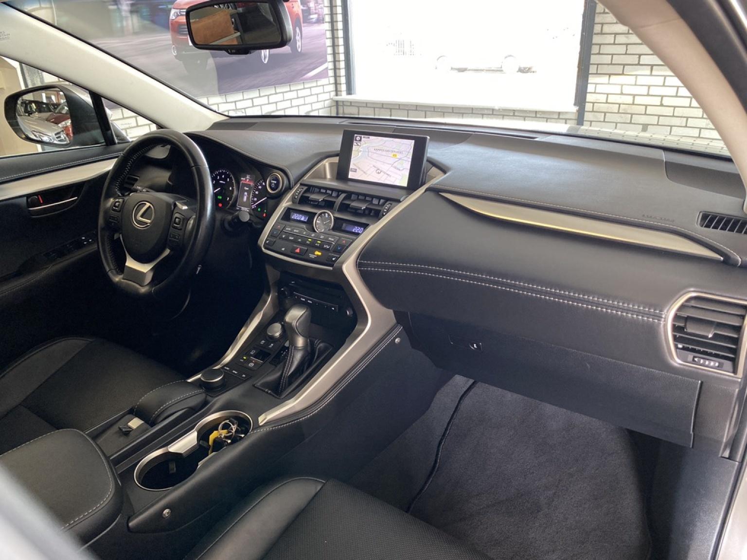 Lexus-NX-11