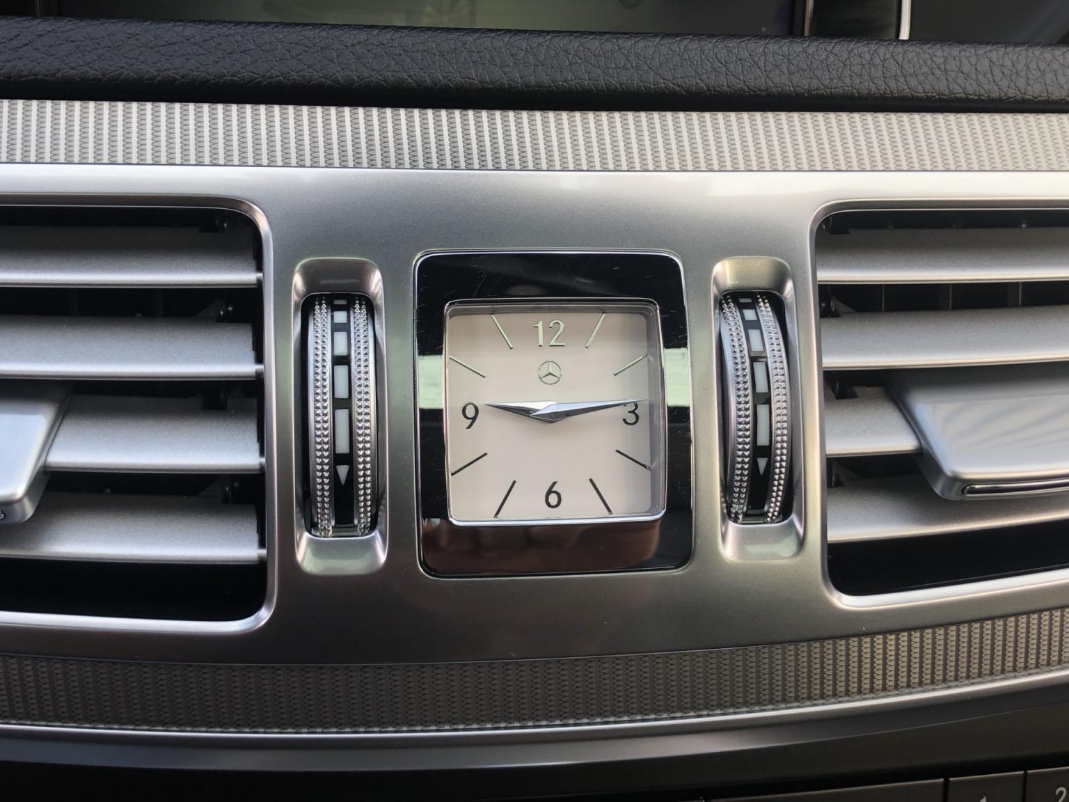 Mercedes-Benz-E-Klasse-35