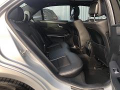 Mercedes-Benz-E-Klasse-19